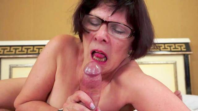 Shorthair Granny In Glasses Strokes Nasty Dildo 1
