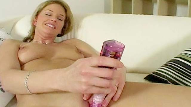 Suzette spencer playing with dildo