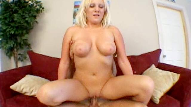 Jay fuck sexy blonde Jessica in her shaved puss