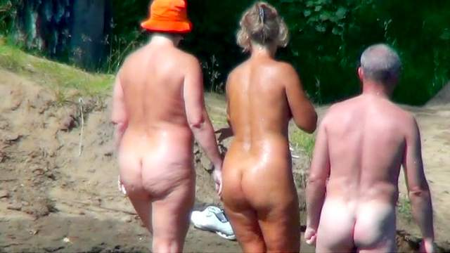 Assy chicks are walking naked