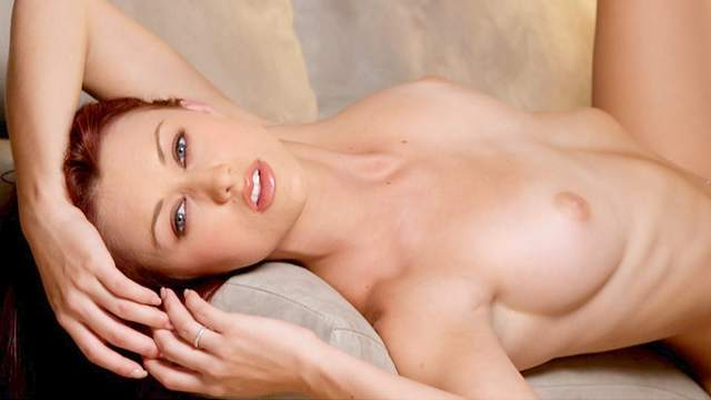 Redhead babe Karlie Montana poses totally naked