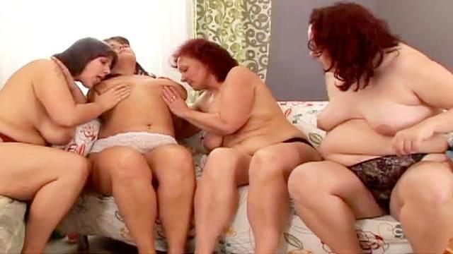 Hana, Petra B, Diana G, Riana El Sapo