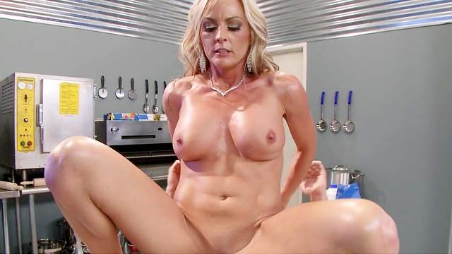 Mind blowing fuck in the kitchen with Sindy Lange