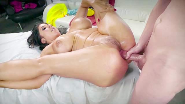 Jessy Jones, Raven Hart