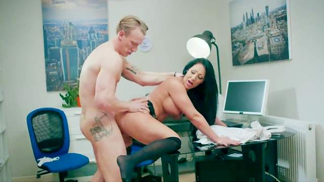 Top brunette gets pussy ravished in office XXX experience