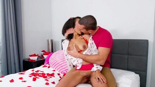 Ramon Nomar, Ariana Aimes