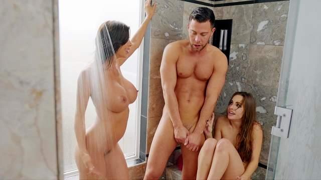 Alexis Fawx, Seth Gamble, Kimmy Granger