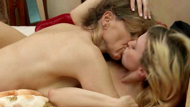 Nicole Moore, Tara Morgan