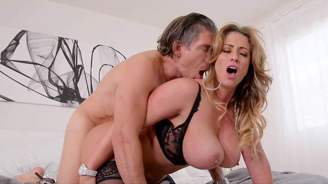Busty MILF gets working in a serious hardcore tryout with the neighbor