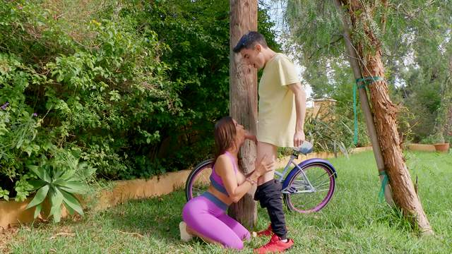 Perpetually horny MILF Alexis Fawx scores with young Latin boy in the park