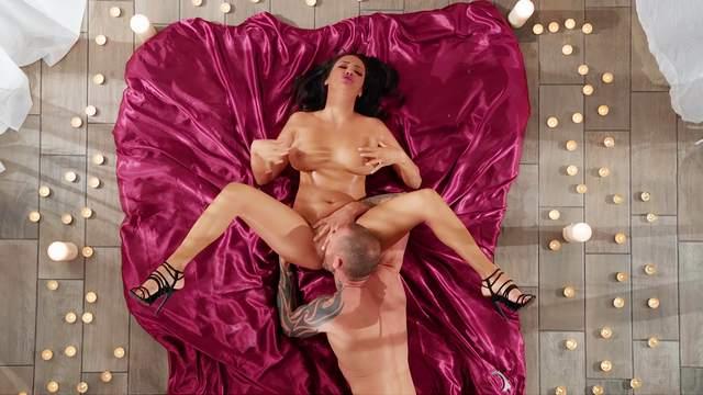 Scott Nails, Sofi Ryan