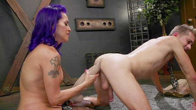 Foxxy gets so turned that she cums hard, blowing her load on his cock