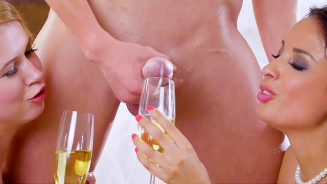 Anissa Kate hooks up with bride Violette Pink and her horny groom