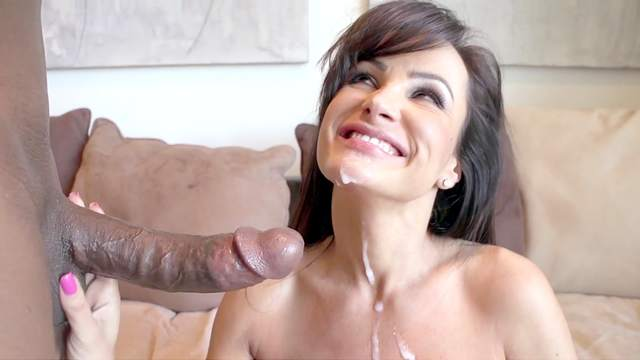 Sexy MILF handles this black monster in a wild play