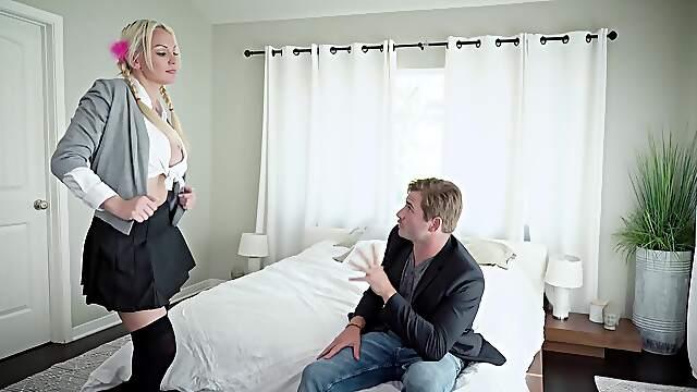 Smashing blonde MILF works her magic in the morning