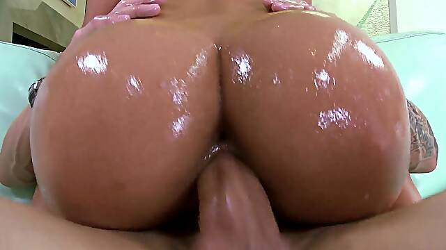 Outdoor lesbian fingering by the pool - Teanna Trump & Chris Strokes