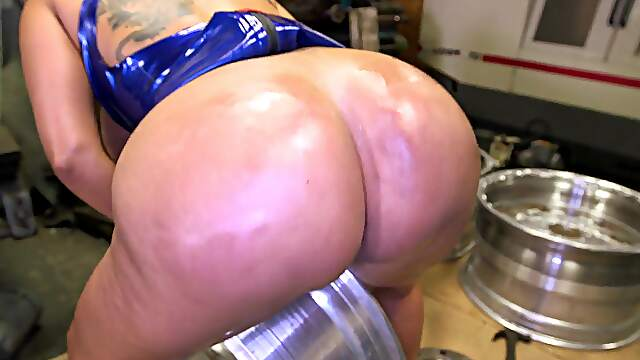 Nude babe with thick ass, dirty perversions in closeup