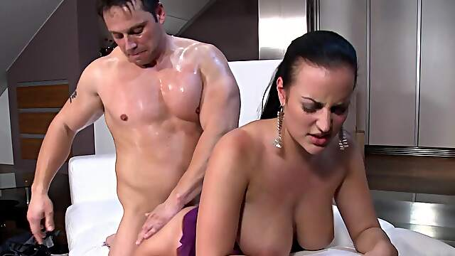 Energized beauty grabs cock for restless rounds of XXX