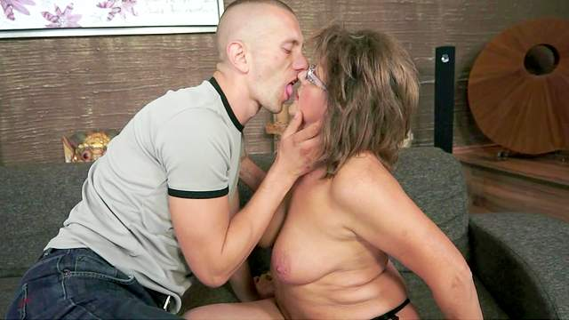Aged and mature goddess Gigi M wants her bf to lick her pussy