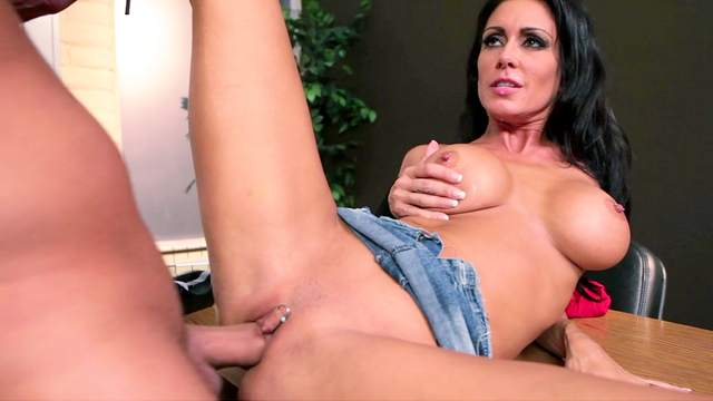 Jessica Jaymes loves to feel cock of Keiran Lee