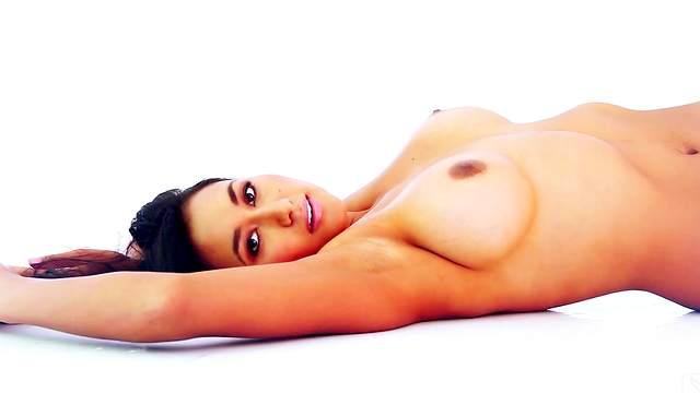 Jeannie Santiago  nackt